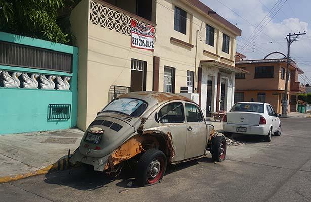 Calles de Madero convertidas en yonques