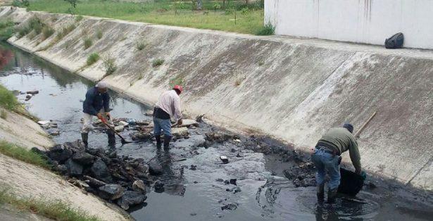 Mas de tres toneladas de basura se han retirado de los canales a cielo abierto en la ciudad