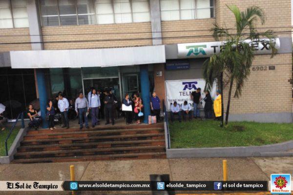 Empleados de Telmex inician paro de labores
