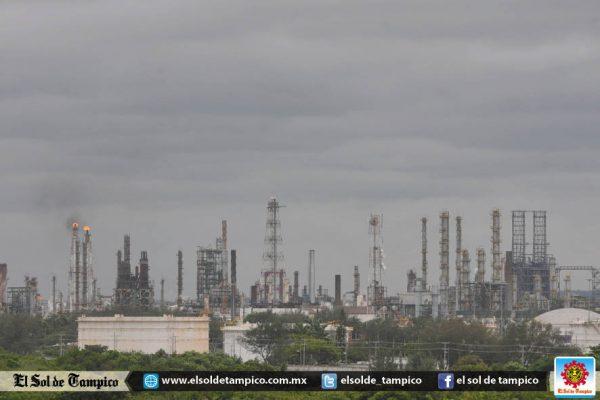 Necesario que Pemex garantice contratos a compañías regionales: Empresarios
