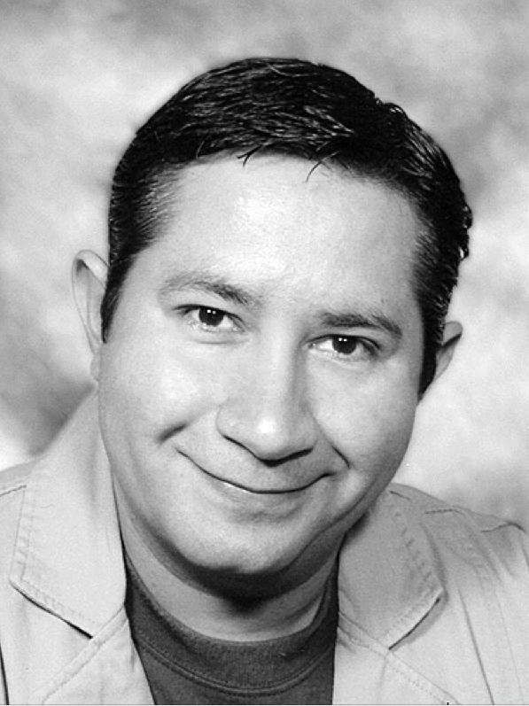 Tim Carrillo, un Hombre Dedicado al Teatro