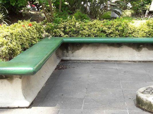 En un baño público se ha convertido la Plaza de Armas