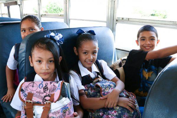 Seguirá siendo gratuito y permanente el servicio de transporte escolar municipal