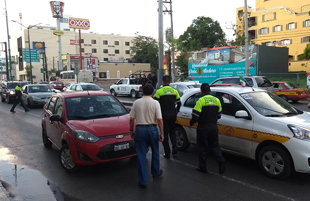 Accidente múltiple sobre Avenida Hidalgo