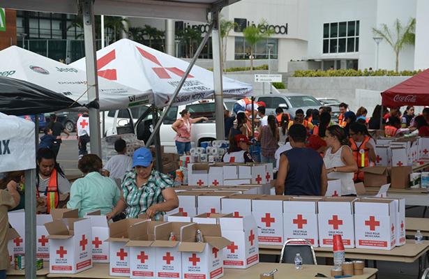 Bomberos y Cruz Roja recolectan importante ayuda