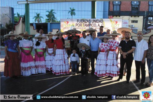 Fuerzas Unidas por Tampico entrega reconocimientos a lo mejor del deporte