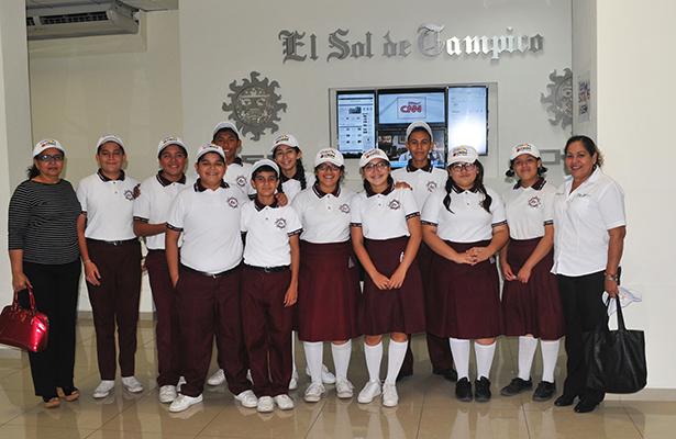 Destacados estudiantes de la Secundaria Técnica 52 efectuaron amable visita a El Sol de Tampico