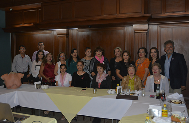 Odontólogas de Tampico escuchan conferencia sobre el Cáncer de Mama