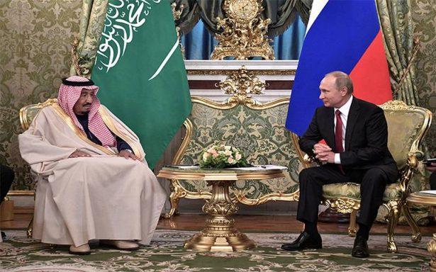 Vladimir Putin y rey de Arabia Saudita sellan acercamiento armamentista