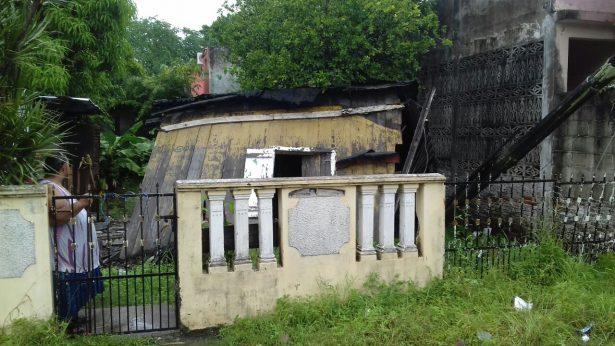 Casa se derrumba por las lluvias