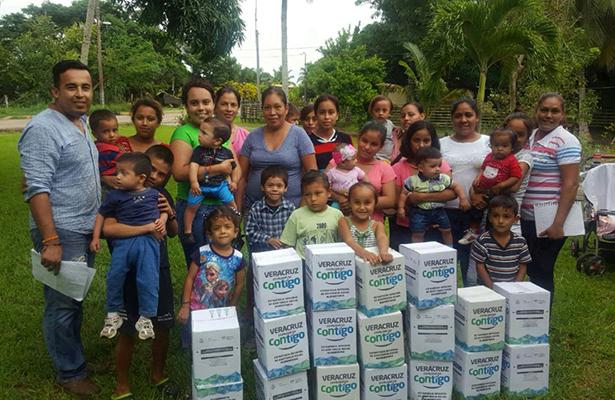Entrega DIF de Tampico Alto Apoyos Alimentarios en la Zona Rural
