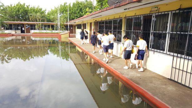Seis escuelas de Madero afectadas por lluvias