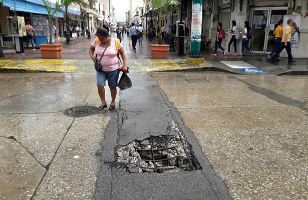 Se desploma soporte de zanja en zona centro de Tampico