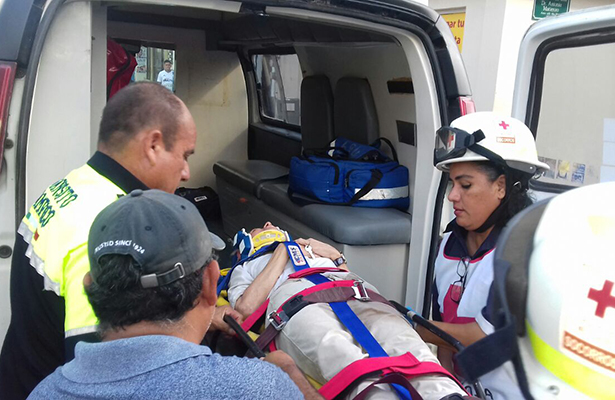 Septuagenaria es impactada por camión en la zona centro de Tampico