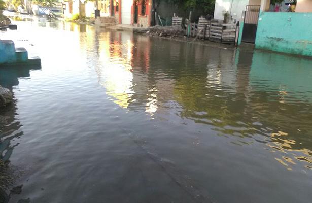 Continúan afectadas por la marea alta las colonias cercanas al Río Pánuco
