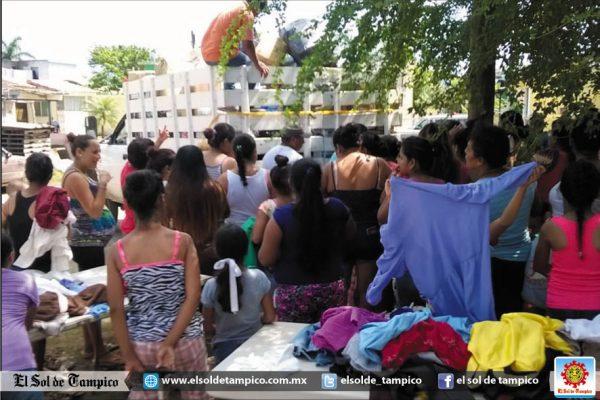 Reynosenses ayudan a damnificados de Altamira