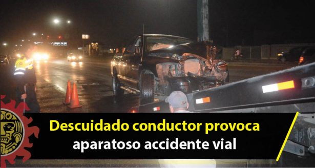 Descuidado conductor provoca aparatoso accidente vial