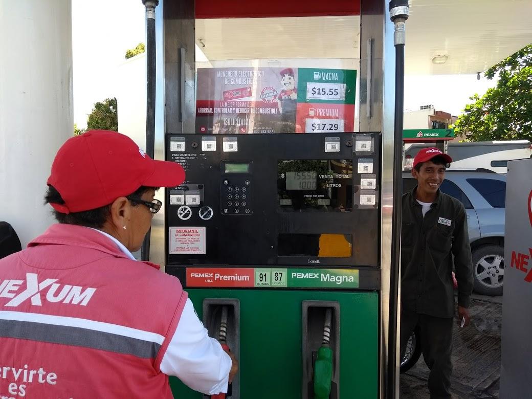 Pemex ofrece gasolineras en un mes