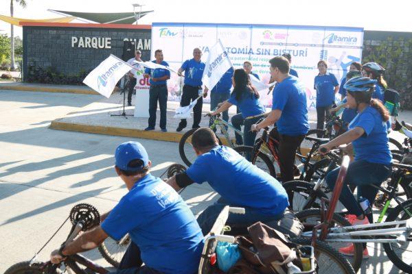 Celebran el Día Mundial de la Vasectomía con desfile de ciclistas en Altamira