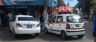 Choque en la colonia Tamaulipas deja solo daños materiales