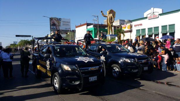 Arranca Desfile Revolucionario en Madero