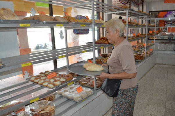 El refrescamiento de las temperaturas aumenta las ventas de pan en la zona