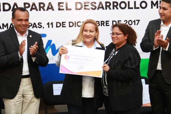 Entrega Federación reconocimiento al Gobierno Municipal de Altamira