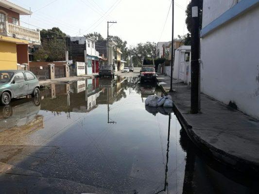Fugas de agua afectan a la ciudadanía