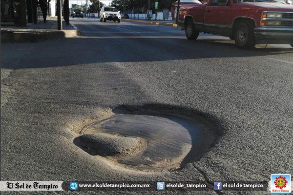 Piden subir niveles de alcantarillas en la avenida Hidalgo