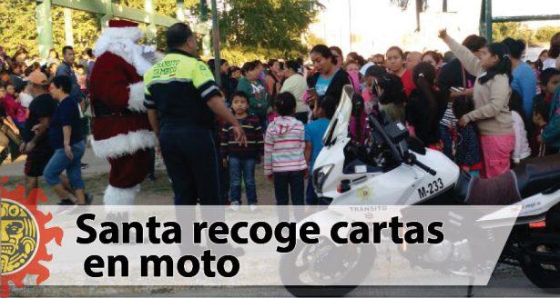 Santa recoge cartas en moto