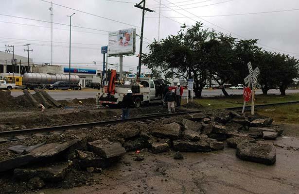 Ferromex suspende temporalmente paso vehicular