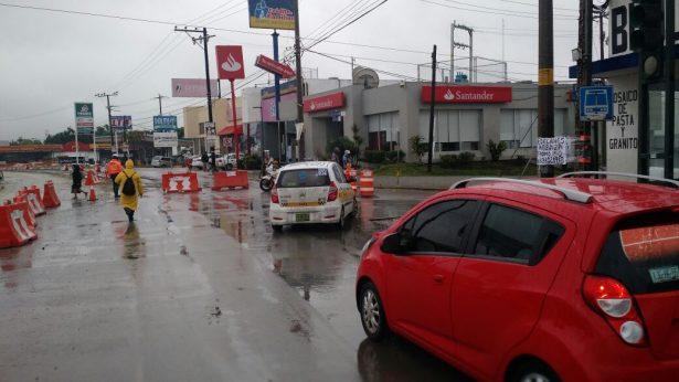 Desviación en Avenida Hidalgo por trabajos de paso inferior