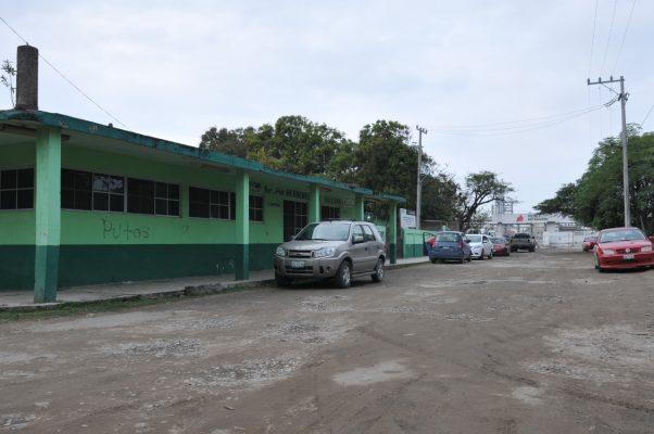 """Se inconforman padres por inminente cierre de la escuela """"Hermenegildo Galeana"""""""