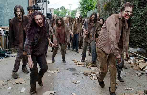 """Tragedia en """"The Walking Dead"""": fallece doble y paralizan rodaje"""