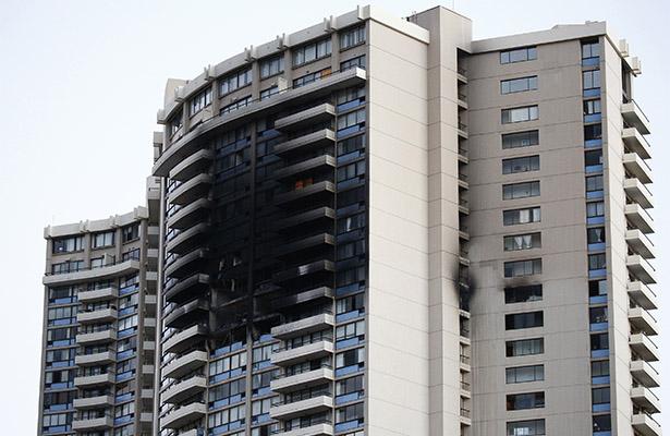Incendio en edificio en Honolulu deja tres muertos y una decena de heridos