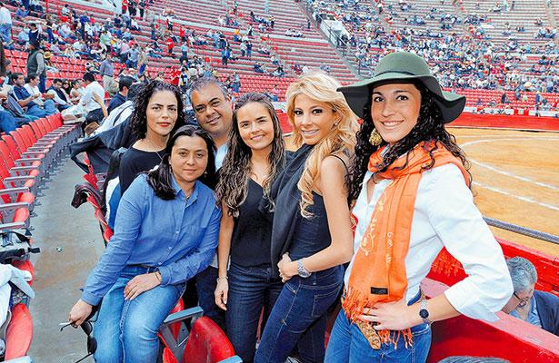 Don Alejandro Martínez Vértiz debe estar preocupado y muy apenado