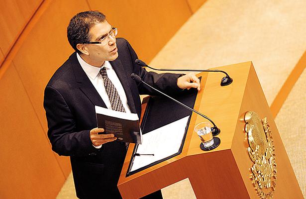 Tras militancia de 10 años, Armando Ríos Piter renuncia al PRD