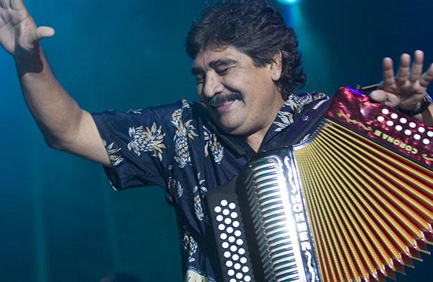 """Celso Piña, el """"rebelde del acordeón"""", actuará en Cumbre Tajín"""