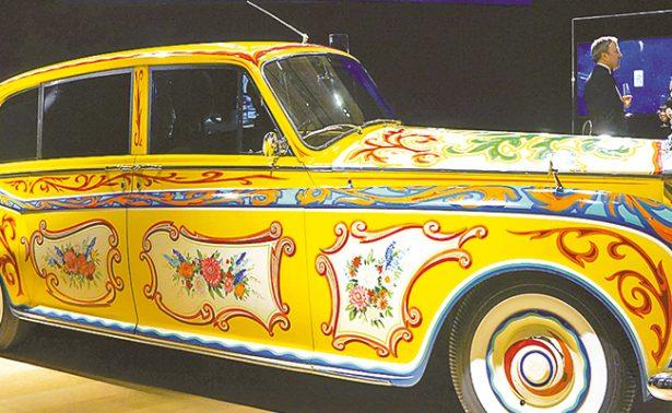 Rolls Royce lanza nuevo Phantom durante exposición de autos clásicos