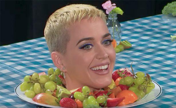 Katy Perry le juega broma a visitantes del Museo Whitney