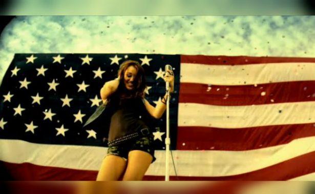 """Sorprenden a Miley Cyrus """"de paseo"""" con poderoso expresidente"""