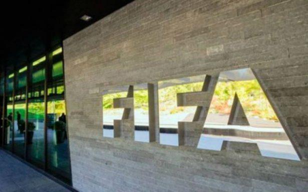 FIFA hace su agosto, impone 30 multas por incidentes en partidos clasificatorios