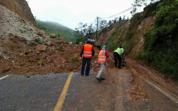Dañados 140 caminos en Oaxaca