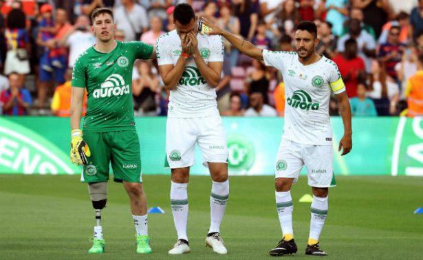 Chapecoense recibe homenaje ante el trofeo del Gamper