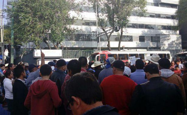 Maiceros de siete estados toman Sagarpa en la CDMX