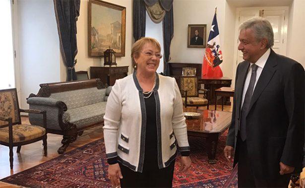 AMLO visita a Michelle Bachelet para difundir acciones de Morena