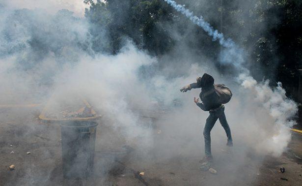 Gobierno de Brasil detiene exportaciones de gas lacrimógeno a Venezuela
