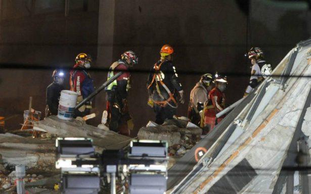 Por rescatar, ocho cuerpos más en derrumbe de Álvaro Obregón 286