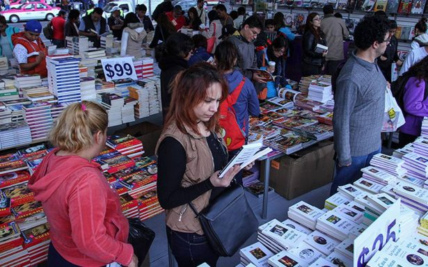 Feria del libro del zócalo apoya en la restauración de la ciudad