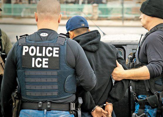 Interponen demanda contra agentes de EUA por intimidar a inmigrantes